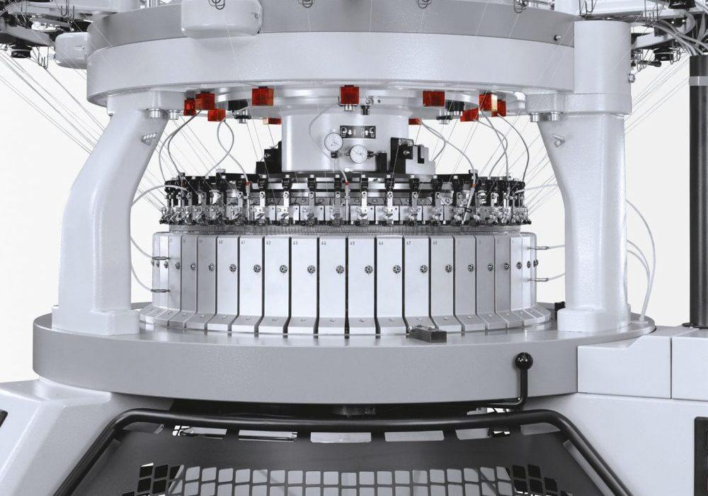 merino kniiting machine close up